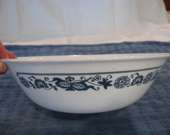 "8.5"" Corelle Old Town Blue Serving Bowl"