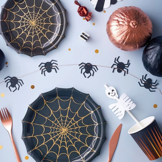 HALLOWEEN / Paper Plates / Home Decor / Halloween Party / Party Supplies / Goth Wedding Decor / Birthday Party /