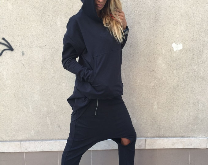 Black Hooded Cotton Sweatshirt, Extravagant Warm Top, Plus Size Womans, Maxi Front Pocket Hoodie, Sport Tunic By SSDfashion
