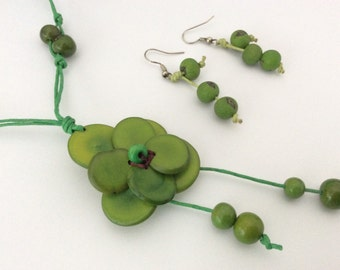 Green Flower Necklace, Eco Friendly Necklace, Acai Seeds Jewelry, Eco Necklace, Pendant Necklace