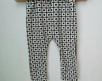 Baby harem pants black and white