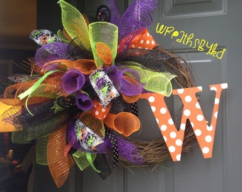 Curly q mesh halloween theme, attached letter on grapevine wreath