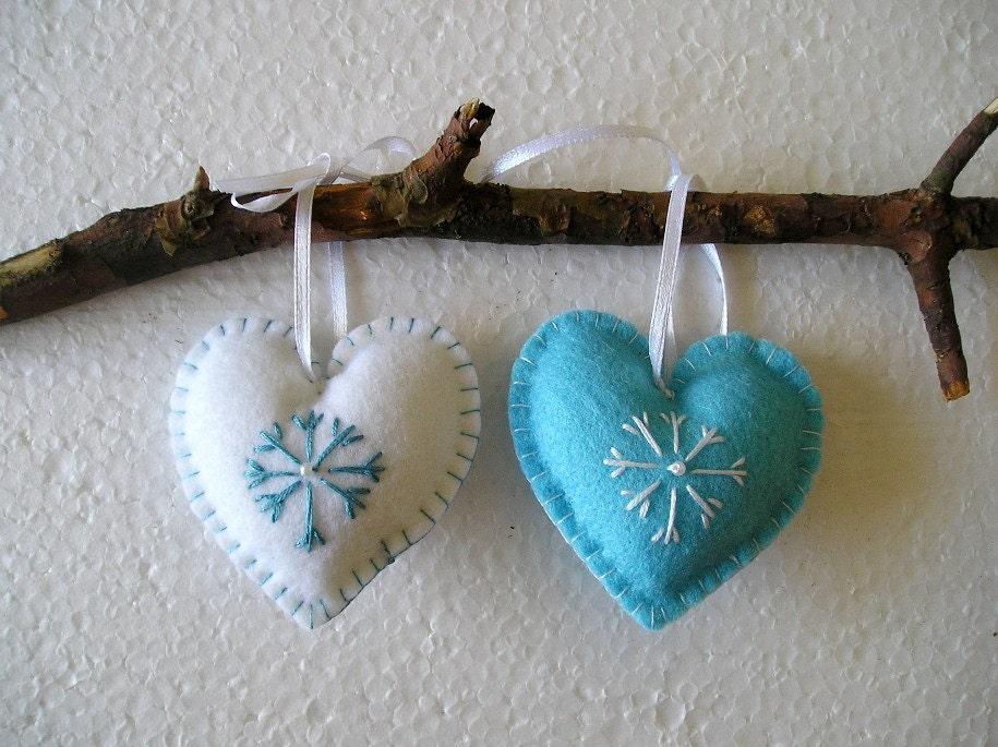 Blue and white christmas hearts felt ornament