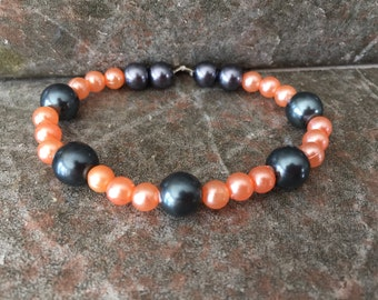 Black and cream pearl bracelet