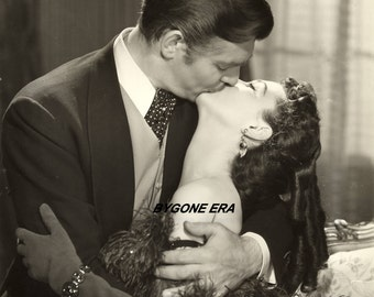 Clark Gable Vivien Leigh Gone with the Wind Kiss Hollywood Poster Art Photo Artwork 11x14 or 16x20