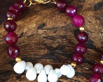 Dark Magenta & White Beaded Bracelet
