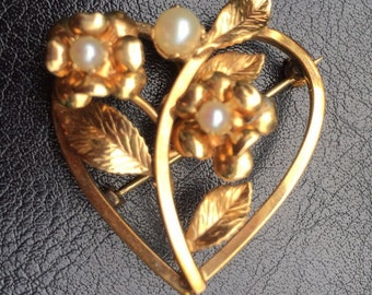 Vintage Signed C.R. CO  Heart Shaped Brooch with Harvested Pearl / Vintage Brooch / Vintage Jewelry