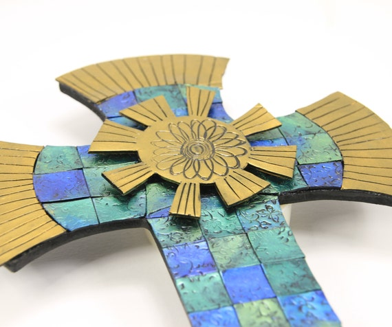 Gold Cross Wall Decor : Items similar to stained glass effect cross mosaic