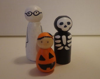 Trick-or-Treater Peg Dolls