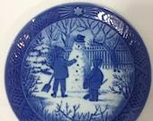 "Vintage Royal Copenhagen 1985 ""The Snowman"" Christmas Plate from the Royal Copenhagen Cobalt Blue Christmas Collectors Plate Collection"