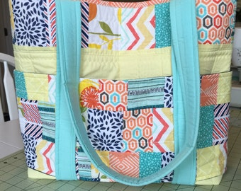 Big quilted 5 outer pocket tote bag!
