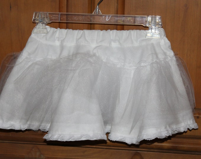 Short White Petticoat, pettiskirt, girls slip, tulle underskirt, girls black pettiskirt, girls black slip,black or white tulle underskirt