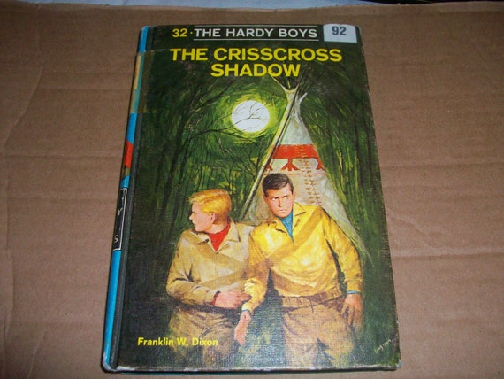THE CRISSCROSS SHADOW by Franklin Dixon #32 Vintage Hardy Boys Book 1969