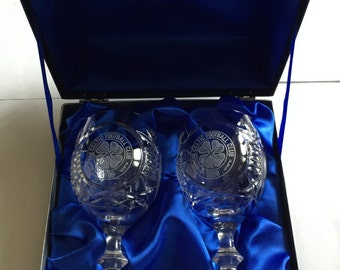 Glencairn Crystal set of 2 wine goblets with engravings The Celtic Football Club