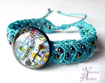 Multi-coloured cabochon turquoise macrame bracelet
