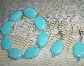Bracelet with Marching Earrings, Turquoise Beaded