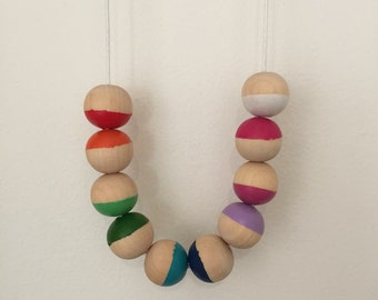 Wooden bead necklace // All the colours of the rainbow