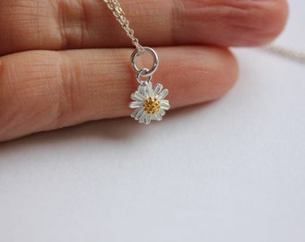 Silver Daisy necklace -Daisy necklace in Sterling Silver-Flower necklace-Flower Jewelry-Yellow Daisy necklace-Daisy Flower-Bridesmaid Gift