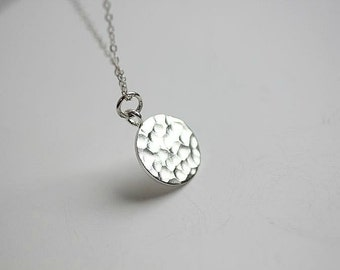 Coin Disc necklace - Silver Disc necklace - Hammered disc necklace - Circle necklace -Disc necklace in Sterling silver - Silver tag necklace