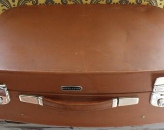 Vintage Medium Revelation Suitcase, Brown, lovely to use for storage.Vintage Luggage, Retro, shabby chic