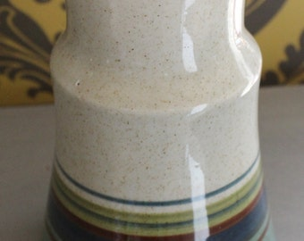 A Very Pretty Hand painted Vase , Made in Israel, Look lovely on display.