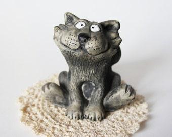 VIntage Collectible Figurine Cat Cartoon Wood Sculpture Grey Cat Kawaii Animal Carving Rustic Home Decor Bookshelf  Birthday Gift for Child