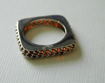 Vintage Sterling Silver Red CZ Square Ring ( Size 8 ) ( discount for Students )