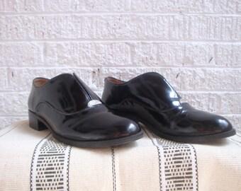 vintage 90s isaac mizrahi black patent leather slip-on loafers, size 5