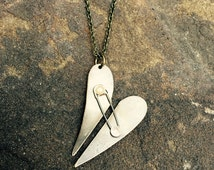 5SOS - Safety Pin Necklace