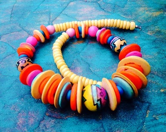 VINTAGE:Hand Painted Wood Necklace-Colorful Beaded Wood Necklace- 1980s-Native American.{D1-114#00282}
