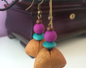 Dangle earrings with natural seeds, boho earrings
