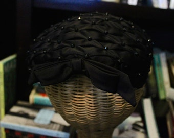 1940s Vintage Black Beaded Hat with Bow (Item #90013)