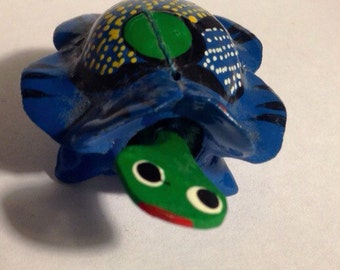 Turtle bobble head