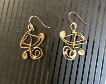 gold wire earrings, free-formed and painted