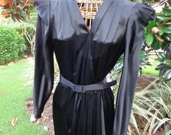 "Halloween costume SALE! Vintage 80's ""Elvira"" Dress....Mint condition"