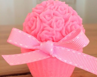 Rose cupcake candle.Rose fragrance . scented soy candle. eco-friendly. gift