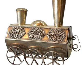 Vintage Silver perfume box engine Shaped Locomotive scent container