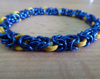 Lazy River - Bracelet byzantine weave stretchy yellow blue chainmaille