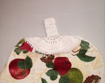 Hanging kitchen towel with velcro closure