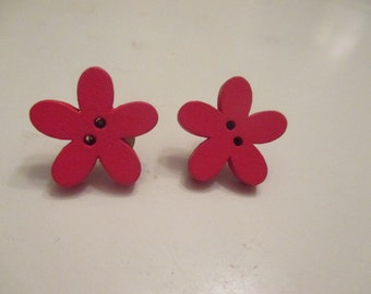Red wooden flower post earrings