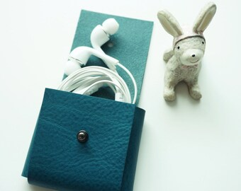 Earphone holder / Leather earphone holder / Earphone case
