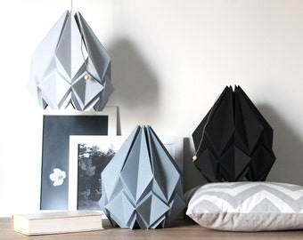 Silver grey origami lamp | sober and elegant hand folded scandinavian pendant light | perfect for your living room, dining room or bedroom