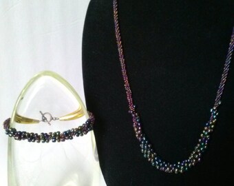 Elegant Iridescent Necklace and Bracelet Set