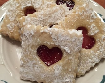 Rasberry sandwich cookies