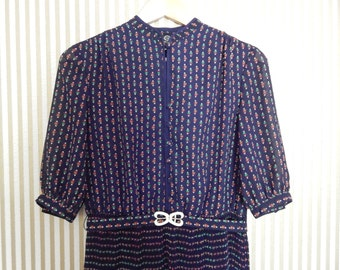 1970s German Folk Dress With Matching Belt (S/M)