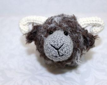 Knitted toy / Knitted sheep / Knitted toy sheep