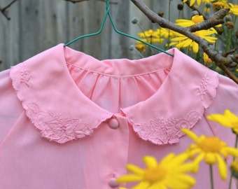 Vintage peter pan collared pink blouse with floral embroidery