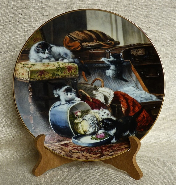 "Henriette Ronner ""Mischief with the Hatbox"" 1990 First Issue W. L. George Fine China The Victorian Cat,"