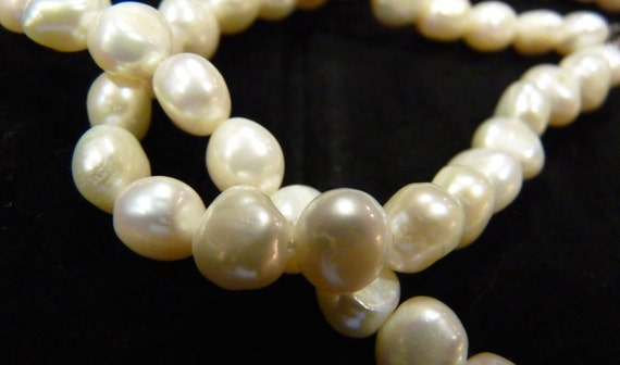 FRESH WATER VINTAGE Pearls Lovely Luster 18 Inch Metal Clasp