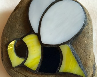 Bumble Bee Stained Glass Mosaic Garden Stone Paperweight